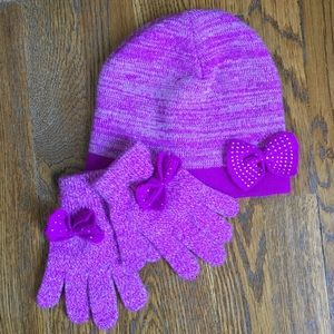 Girl's Beanie and Gloves